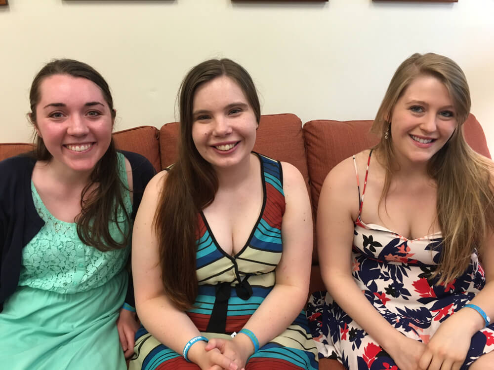 Psychology Psi Chi awards students in couch