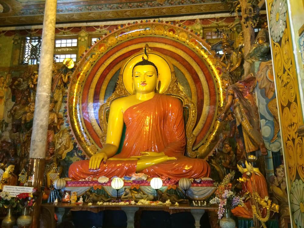 sri-lanka-statue