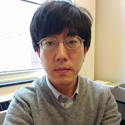 Hyun Woong Park