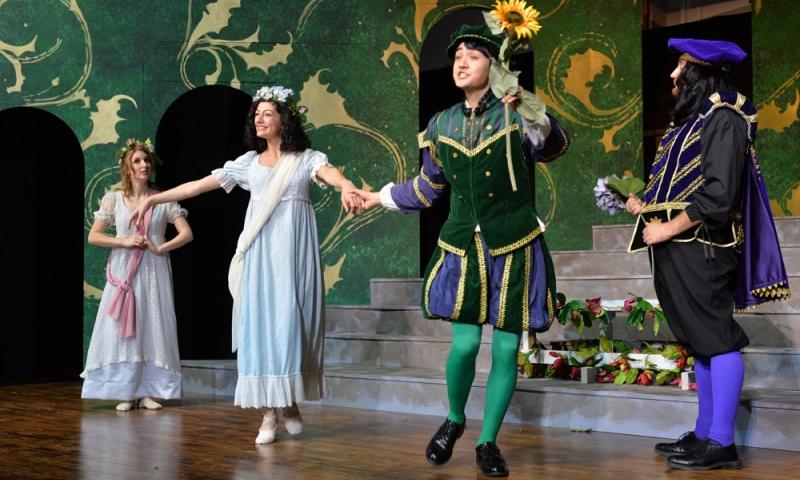 Meg Odell '19 and Sam Fujikawa '22 in a Singers Theatre Workshop performance