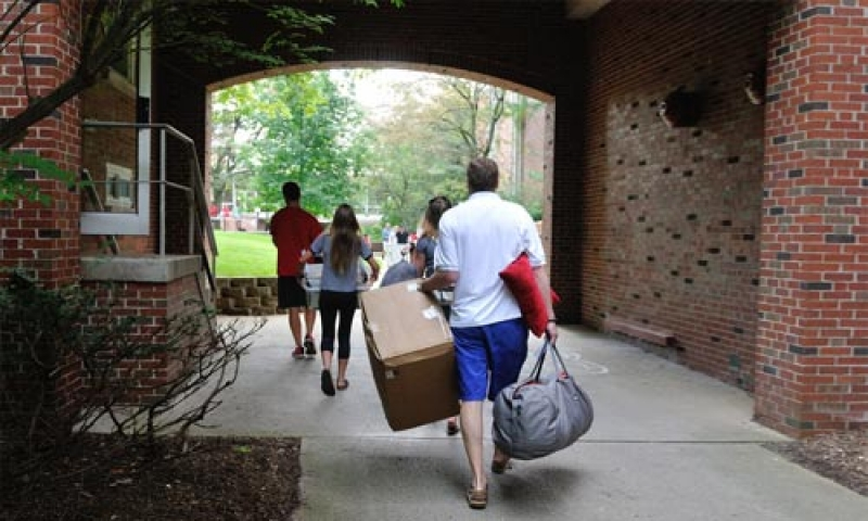 Upperclass students move to residence halls