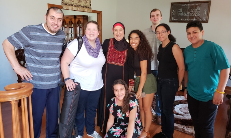 Denison students with an Arab-American family