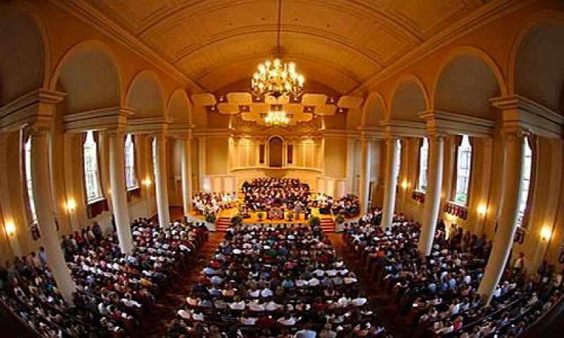 Photo of the audience in Swasey Chapel at Denison University