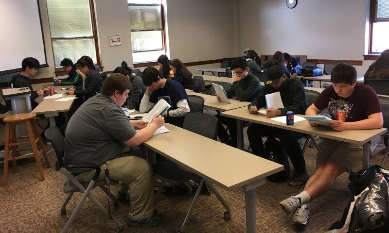 Denison Spring Programming Contest 2017 students working 3