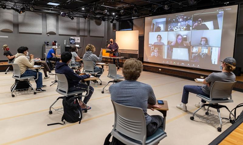 Associate Professor Jonathan Maskit teaching
