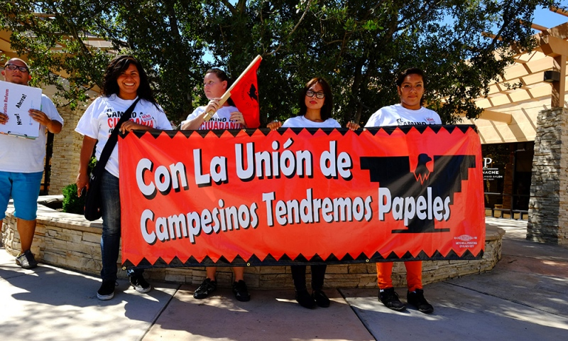 Con La Union de Campesinos Tendremos Papeles