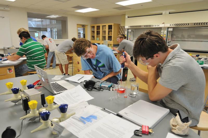 students working in denison chem lab