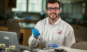 Tommy McMaster '19 conducting lab experiment