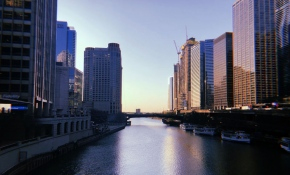 Chicago buildings divided by water