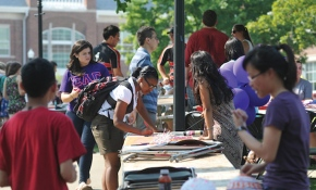 Students at the involvement fair on the academic quad