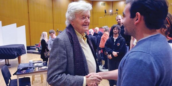 Hal Holbrook meeting a student