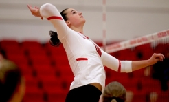 Volleyball Evens Record with Saturday Sweep