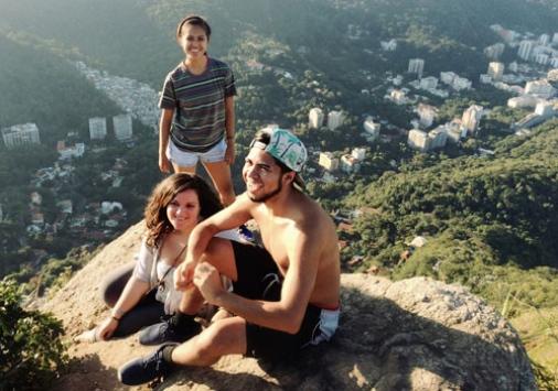 3 students teach in brazil