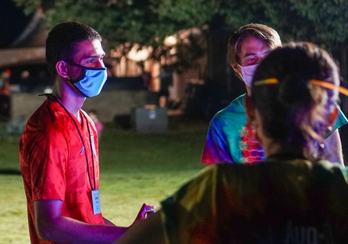 First Year students and Aug-O leaders play socially distant games at the Sizzle
